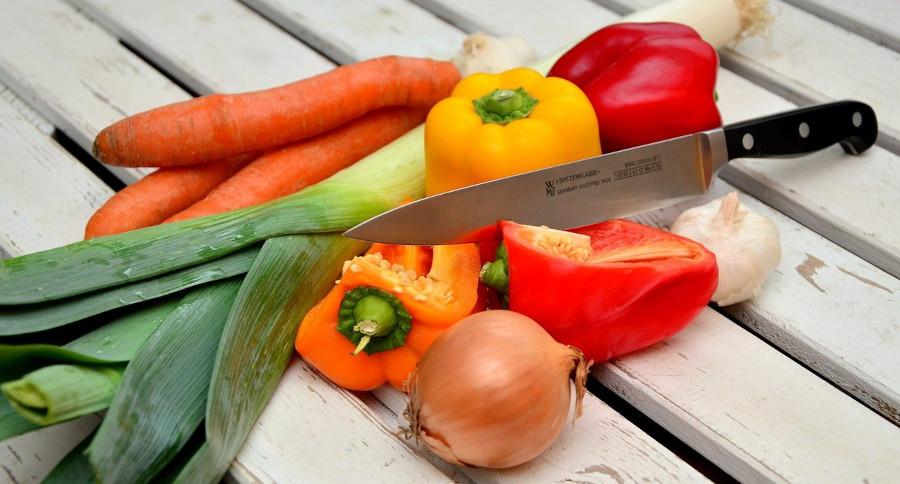 Czym jest catering dietetyczny i jakie daje korzyści